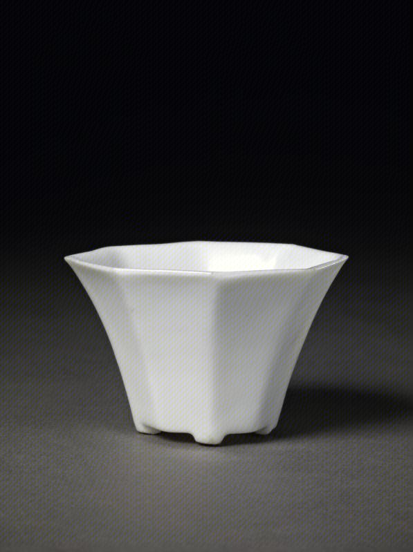 德化窑白釉八方斗式杯